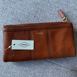 NWT Fossil Full Size Brown Leather Wallet
